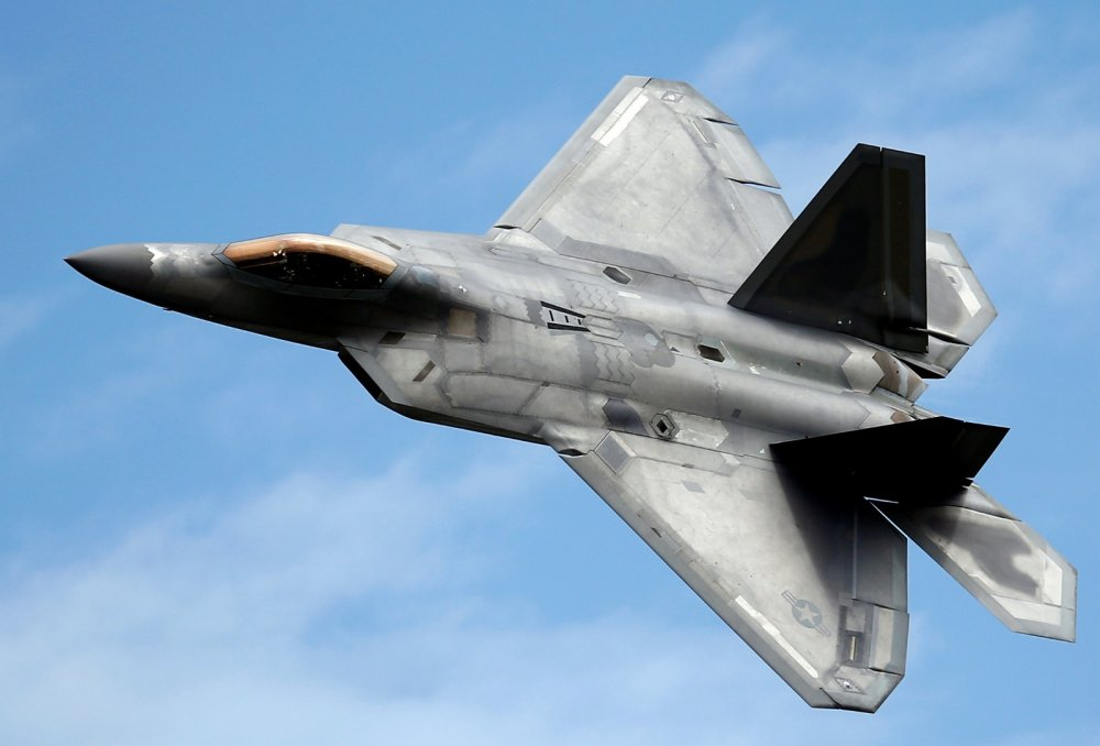 I Tried to 'Attack' a U S  F-22 and F-35 Fighters: