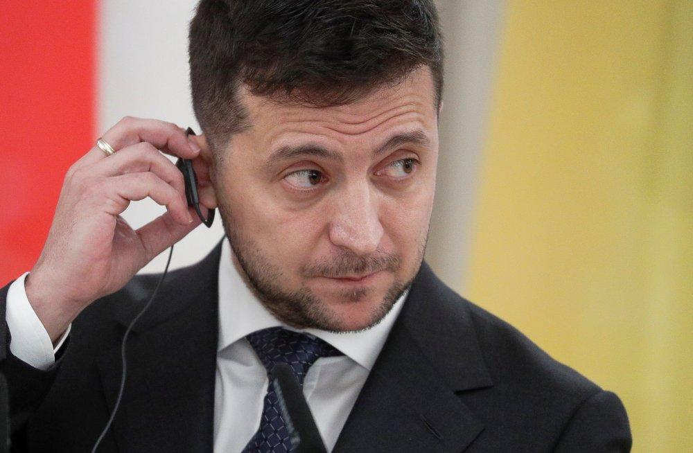 A year on, once-jailed Ukraine filmmaker accepts European Union  award