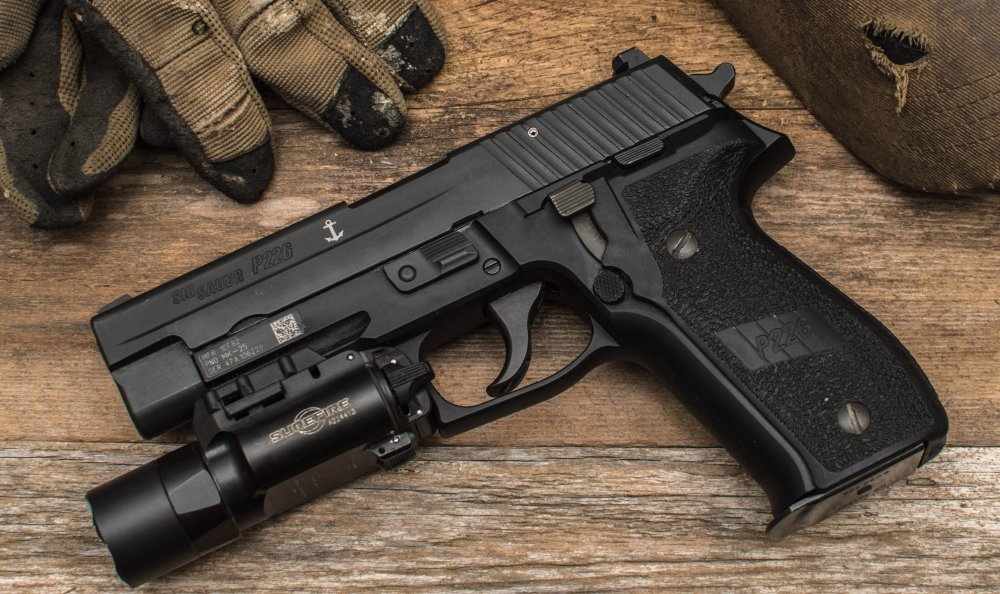Glock vs  Sig Sauer: Glock 17 vs  P226 (Which Gun Is Better?) | The