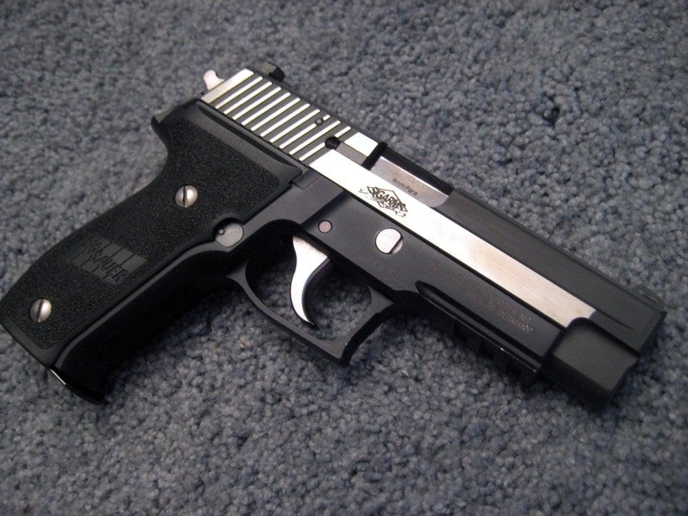 Sig Sauer P226 vs  Beretta 92L: Which Is the Better Gun