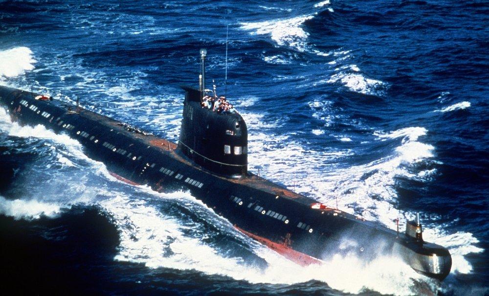 O plano maluco da OTAN de destruir submarinos da Rússia: bombardeá-los com ímãs?