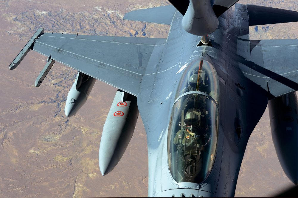 How F-22 and F-35 'DNA' Will Make the 'New' F-16 Viper a