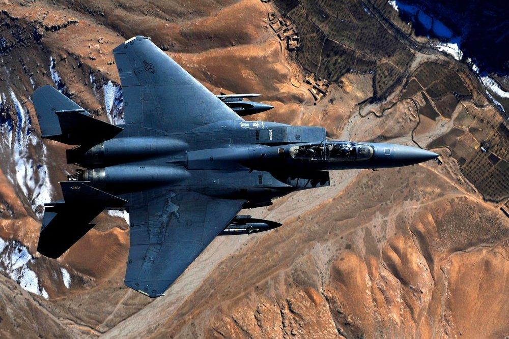 Air War: America's F-15E Strike Eagle vs  F/A-18E/F Super Hornet