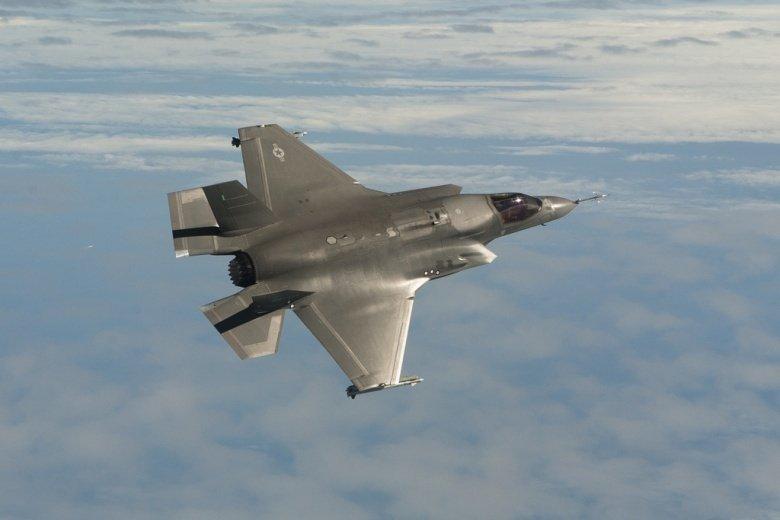 The Reason Why America's F-35 Would Crush China's J-20