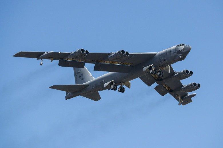 Why Americau0027s Enemies Still Fear The B 52 Bomber