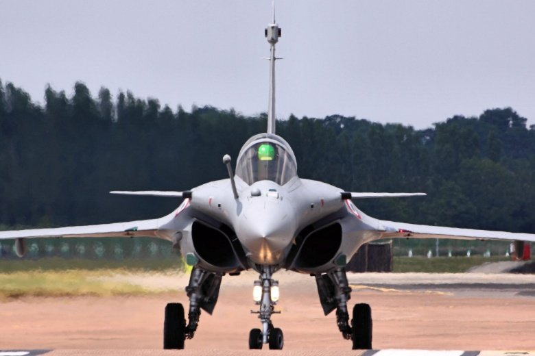 Why India Wants Frances Dassault Rafale Fighter Jet They Can Carry Nuclear Weapons