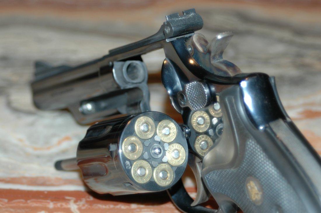 what is the best gun for self defense semi automatic vs revolver