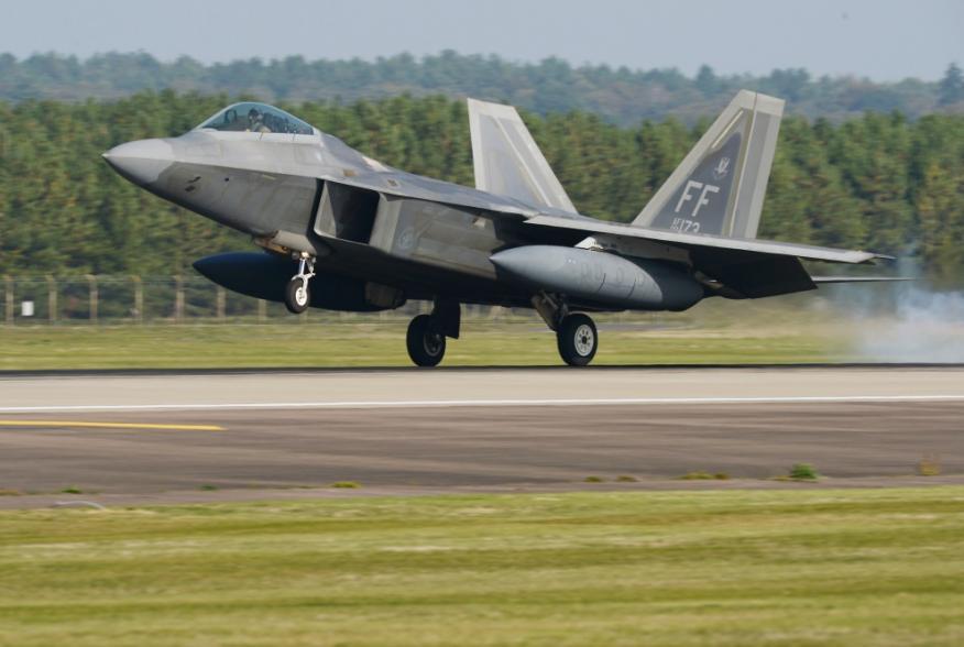 https://www.dvidshub.net/image/4798649/us-air-force-f-22s-arrive-europe-raptor-redeploy-19-1