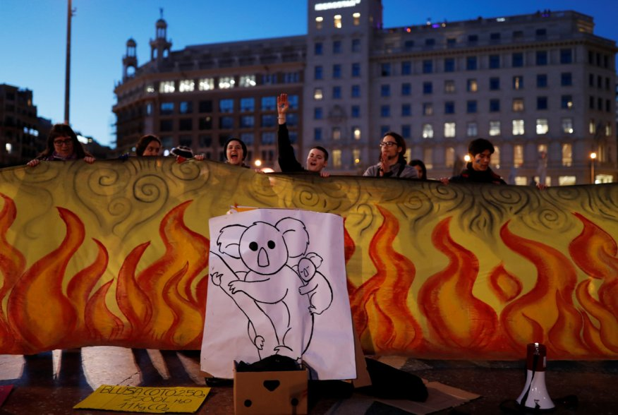Fridays for Future activists protest over Australia's bushfires crisis, in Barcelona, Spain January 17, 2020. REUTERS/Nacho Doce