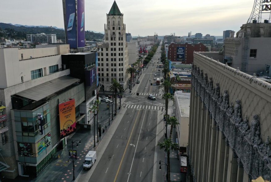 Hollywood Boulevard, typically packed with tourists, is seen empty during the global outbreak of coronavirus disease (COVID-19), in Hollywood, Los Angeles, California, U.S., March 31, 2020. REUTERS/Lucy Nicholson