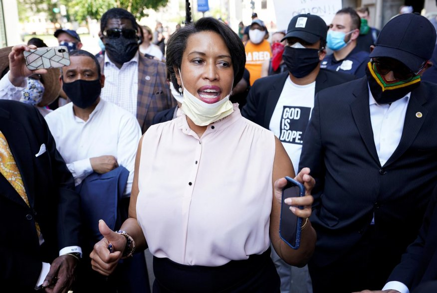 Washington, DC Mayor Muriel Bowser is surrounded by clergy as she speaks during a vigil as protests continue on the streets near the White House over the death in police custody of George Floyd, in Washington, U.S., June 3, 2020. REUTERS/Kevin Lamarque