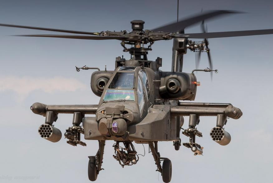 By Nicky Boogaard from Hardinxveld-Giessendam, Netherlands - RNLAF AH-64 Apache at the Oirschotse Heide Low Flying Area, CC BY 2.0, https://commons.wikimedia.org/w/index.php?curid=69915015