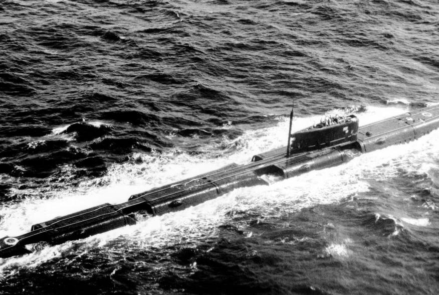 By employed US Navy - http://www.dodmedia.osd.mil/Assets/1990/Navy/DN-SN-90-03993.JPEG, Public Domain, https://commons.wikimedia.org/w/index.php?curid=4848211