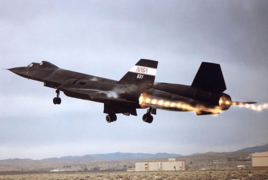 https://www.dvidshub.net/image/731564/sr-71-takeoff-with-afterburner-showing-shock-diamonds-exhaust