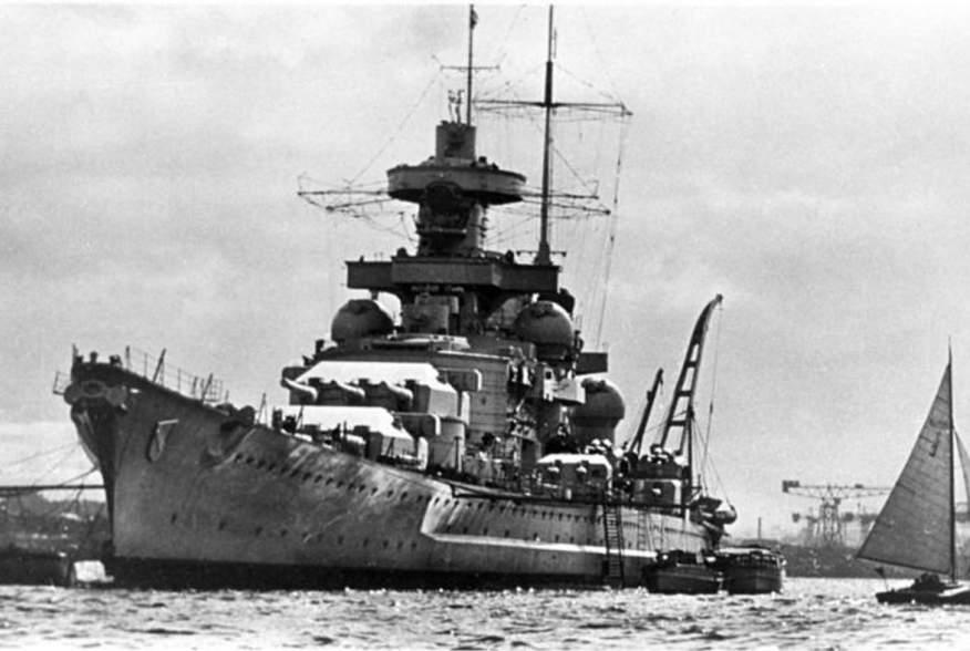 https://en.wikipedia.org/wiki/German_battleship_Scharnhorst#/media/File:Bundesarchiv_DVM_10_Bild-23-63-46,_Schlachtschiff_%22Scharnhorst%22.jpg