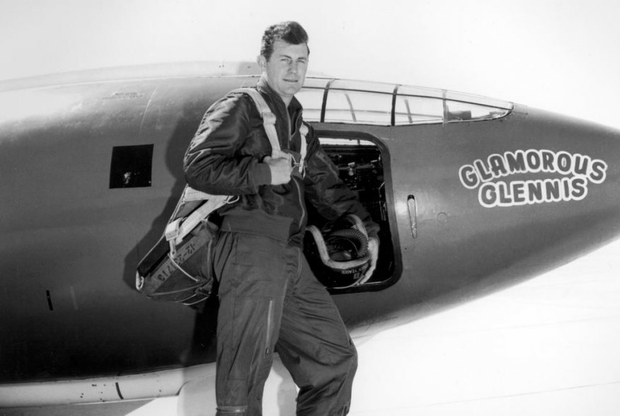 Chuck Yeager next to experimental aircraft Bell X-1 #1 Glamorous Glennis. 1940s. U.S. Air Force.