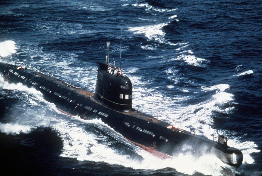 A Soviet-built Cuban Foxtrot Class patrol submarine underway. 1 August 1986. U.S. Navy.