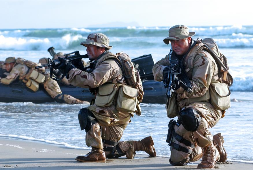 English: United States Navy SEALs [Public domain]