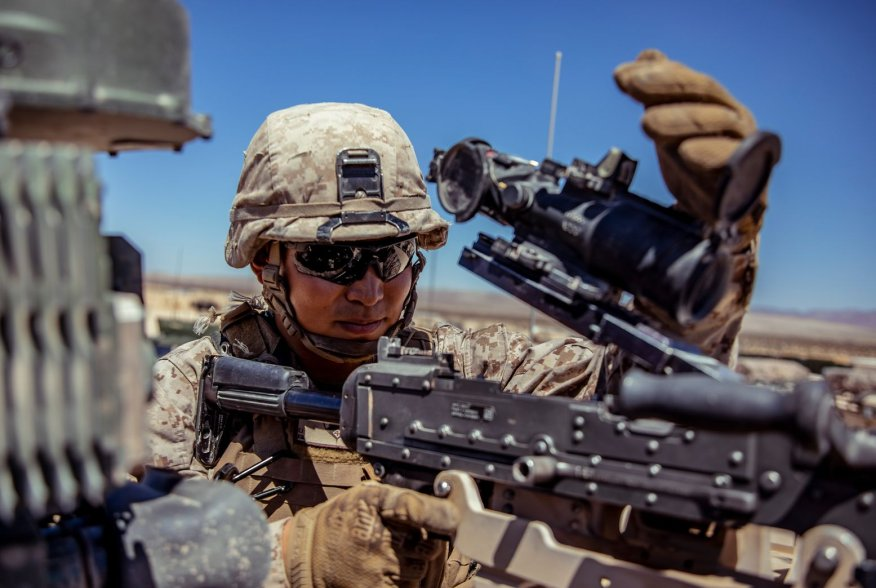 https://www.dvidshub.net/image/5661938/reserve-marines-with-1-25-prepare-regimental-assault-course
