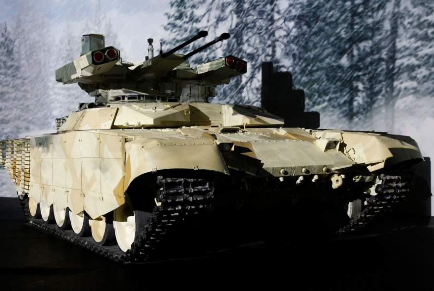 """BMPT-72 fire support combat vehicle, dubbed the """"Terminator-2"""", is on display during the """"Russia Arms Expo 2013"""", the 9th international exhibition of arms, military equipment and ammunition in the Urals city of Nizhny Tagil, September 26, 2013. REUTERS/Se"""