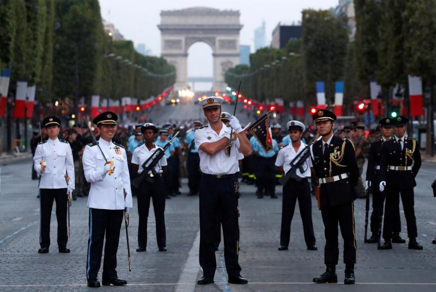 https://pictures.reuters.com/archive/FRANCE-NATIONALDAY--RC1C3263E8E0.html
