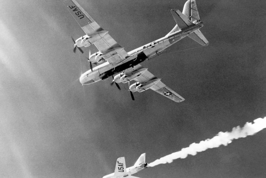 """The Bell Aircraft Company X-2 (46-674) drops away from its Boeing B-50 mothership in this photo. Lt. Col. Frank """"Pete"""" Everest piloted 674 on its first unpowered flight on August 5 1954. He made the first rocket-powered flight on November 18, 1955. NASA."""