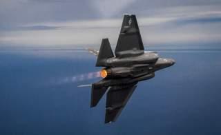 https://www.dvidshub.net/image/5075643/f-35s-fly-over-gulf-mexico