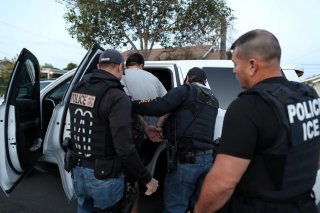 ICE Field Office Director,Enforcementand Removal Operations, David Marin and U.S. Immigration andCustomsEnforcement's (ICE) Fugitive Operations team arrest a Mexican national at a home in Paramount, California, U.S., March 1, 2020. REUTERS/Lucy Nichol