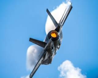 https://www.dvidshub.net/image/5848693/f-35-demo-team-performs-wings-over-houston-airshow