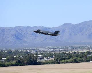 https://www.dvidshub.net/image/5907506/student-pilots-first-time-soaring-f-35-through-allied-f-35-b-course