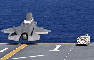 (U.S. Navy photo by Mass Communication Specialist 1st Class Daniel Barker/Released)