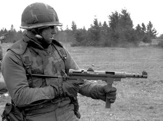 By Spec. 4 David Shad - Copied from Soldier with Carl Gustaf SMG DA-SN-83-09169, Public Domain, https://commons.wikimedia.org/w/index.php?curid=35340557