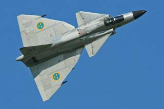 By Alan Wilson - Saab AJS-37 Viggen '37098/ 52' (SE-DXN)Uploaded by High Contrast, CC BY-SA 2.0, https://commons.wikimedia.org/w/index.php?curid=27216763
