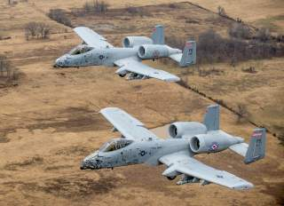 By Senior Airman Matthew Bruch - https://www.dvidshub.net/image/1173912/fearsome-four-ship-188th-warthogs-train-razorback-range, Public Domain, https://commons.wikimedia.org/w/index.php?curid=56208988