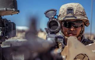 https://www.dvidshub.net/image/5661918/reserve-marines-with-1-25-prepare-regimental-assault-course