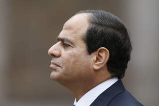Egyptian President Abdel Fattah al-Sisi attends a military ceremony in the courtyard of the Invalides in Paris, November 26, 2014. REUTERS/Charles Platiau