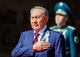 Kazakhstan's President Nursultan Nazarbayev listens to the national anthem on the Victory Day commemorations in Almaty, Kazakhstan May 9, 2018. REUTERS/Shamil Zhumatov