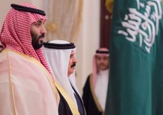 Saudi Arabia's Crown Prince Mohammed bin Salman Al Saud is received by Bahraini King Hamad bin Isa Al Khalifa in Manama, Bahrain, November 26, 2018. Bandar Algaloud/Courtesy of Saudi Royal Court/Handout via REUTERS ATTENTION EDITORS - THIS PICTURE WAS PRO