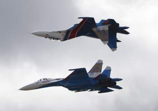 Sukhoi Su-27 jet fighters of the Russkiye Vityazi (Russian Knights) aerobatic team perform during the MAKS International Aviation and Space Salon in Zhukovsky outside Moscow, Russia, August 30, 2015. REUTERS/Maxim Zmeyev