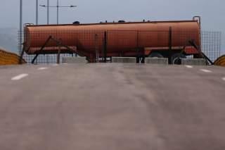 Fuel tank blocks the vehicular passage on Tienditas cross-border bridge between Colombia and Venezuela, in Cucuta, Colombia, February 6, 2019. REUTERS/Luisa Gonzalez