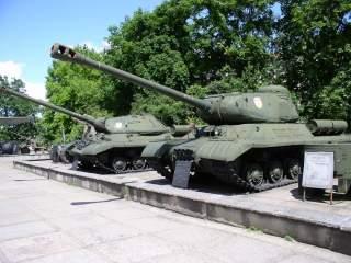 https://upload.wikimedia.org/wikipedia/commons/1/1e/Belarus-Minsk-Museum_of_GPW_Exhibition-5.jpg