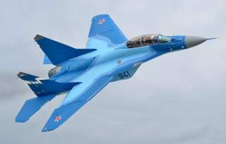 https://upload.wikimedia.org/wikipedia/commons/8/87/MiG-29K_at_MAKS-2007_airshow_%28altered%29.jpg