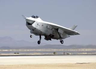 https://en.wikipedia.org/wiki/Boeing_X-32#/media/File:USAF_X32B_250.jpg