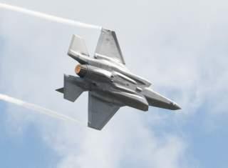 https://www.dvidshub.net/image/5848540/f-35-demonstration-team-soars-over-wings-over-houston-airshow