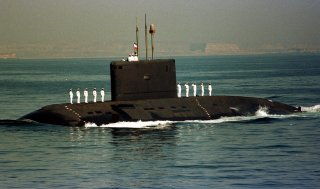 A Russian made Iranian navy Kilo class submarine takes part in Iranian naval exercises in the Persian Gulf November 2, 2000. Iranian navy maneuvers on both sides of the strategic strait of Hormuz will continue until November 6, 2000. CJF/JDP