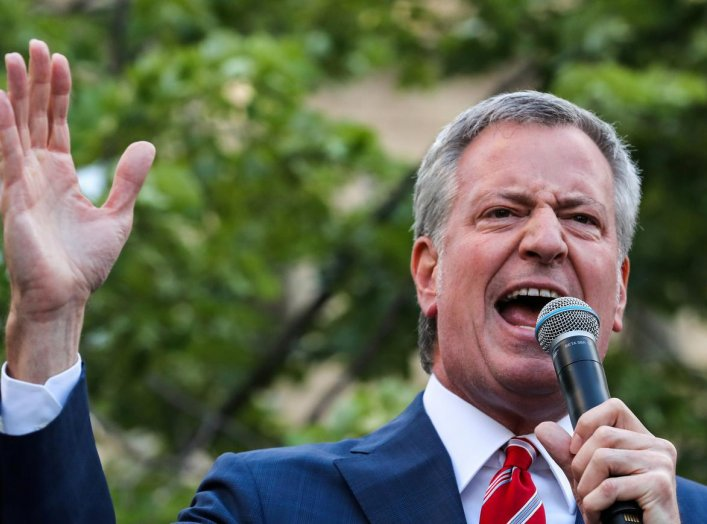 New York City Mayor and Democratic presidential candidate Bill de Blasio attends a rally in New York City, U.S., May 21, 2019. REUTERS/Jeenah Moon