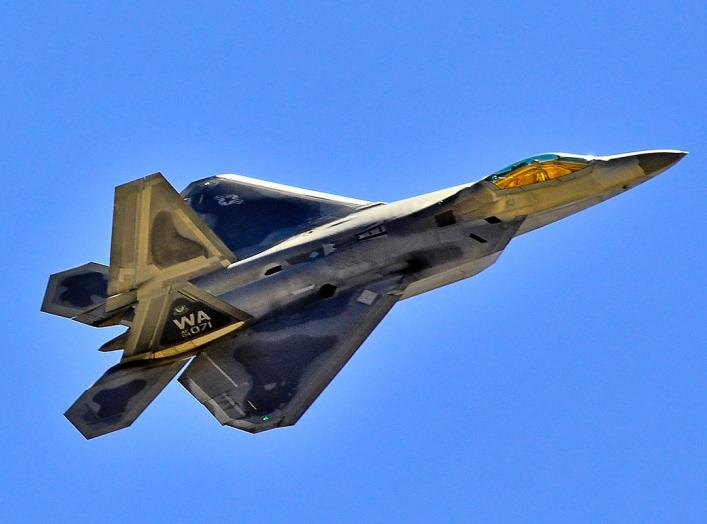 By Tomás Del Coro from Las Vegas, Nevada, USA - F-22 Raptor Nellis AFB, CC BY-SA 2.0, https://commons.wikimedia.org/w/index.php?curid=58249258