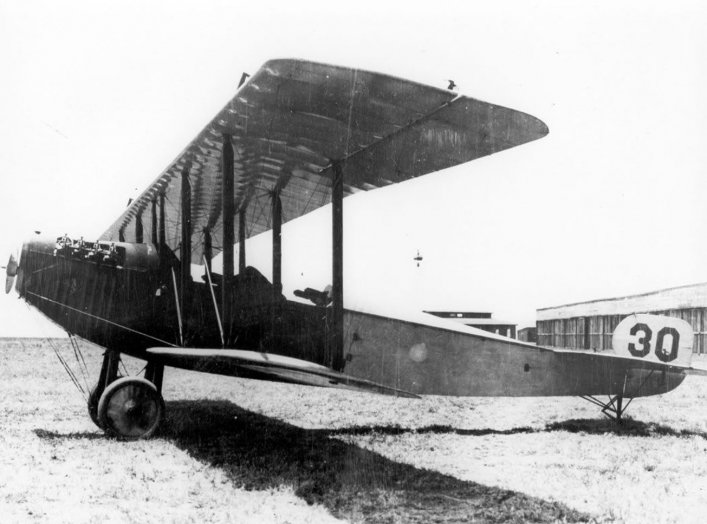 By Aeronautical Division, U.S. Signal Corps - http://www.afhra.af.mil/photos/mediagallery.asp?galleryID=7228&?id=-1&page=3&count=24, Public Domain, https://commons.wikimedia.org/w/index.php?curid=25891033