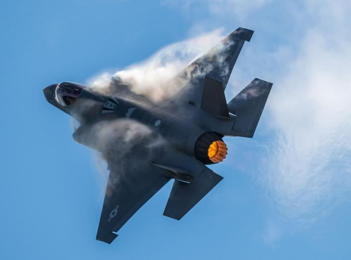https://www.dvidshub.net/image/5848681/f-35-demo-team-performs-wings-over-houston-airshow