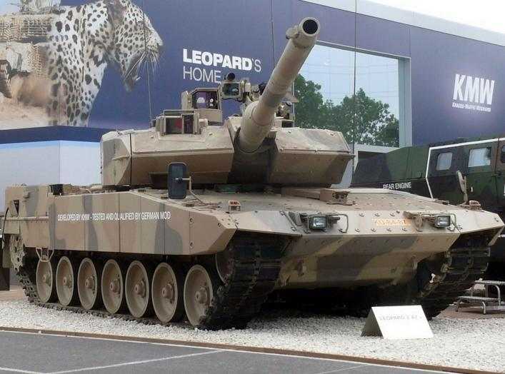 By Leopard_2_A7_(6713926623).jpg: AMB Brescia from flickrderivative work: High Contrast - This file was derived from: Leopard 2 A7 (6713926623).jpg:, CC BY 2.0, https://commons.wikimedia.org/w/index.php?curid=21745836